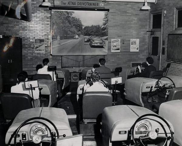 Primele simulatoare de conducere auto