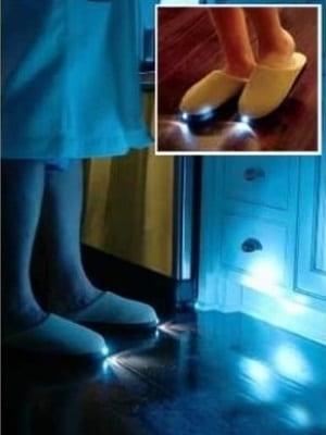 Inovații - Papuci cu lumini