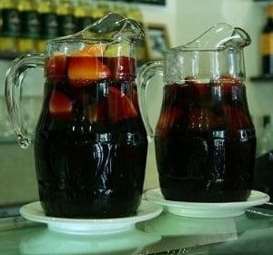Băuturi tradiționale - Sangria