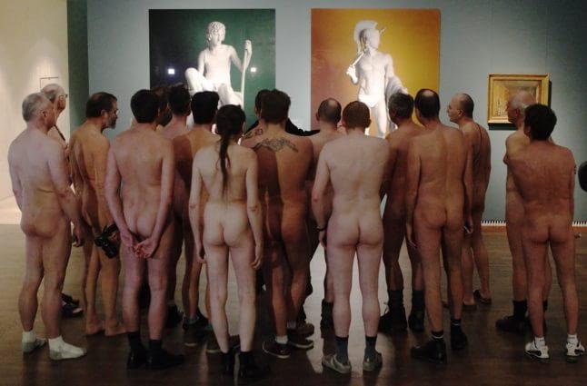 Bărbați nud