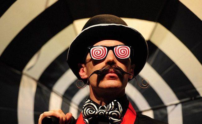 Campionatul de bărbi și mustăți - Mustață 10