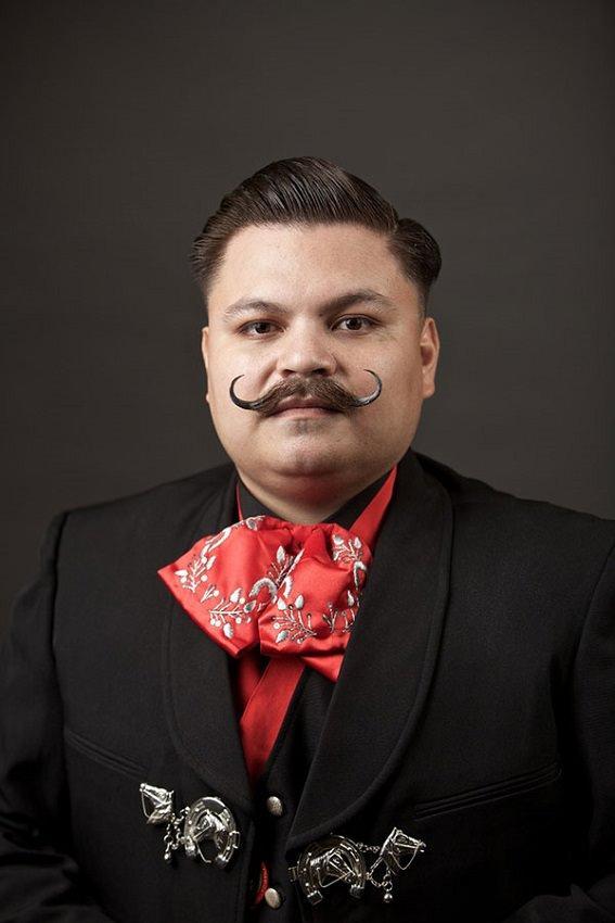Campionatul de bărbi și mustăți - Mustață 7