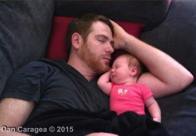Tați dormind cu copii 3