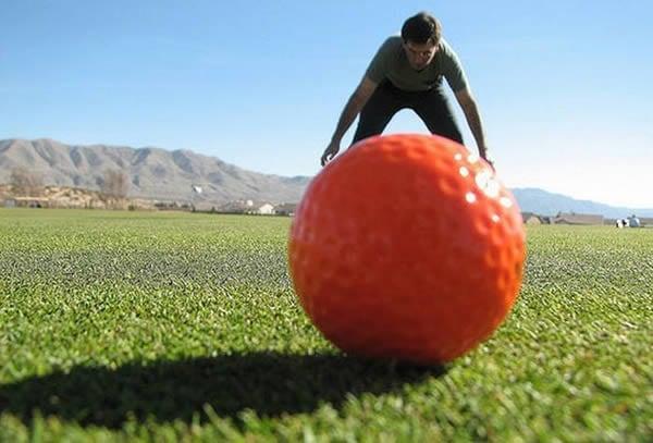 Fotografii în perspectivă - Minge de golf