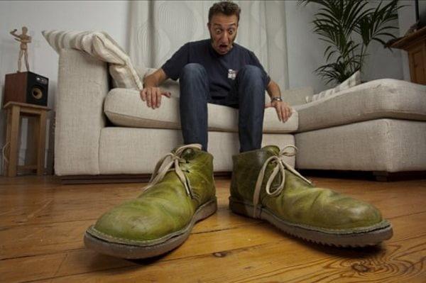 Pantofi giganți