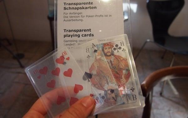 Muzeul lucrurilor fără rost - Cărți de joc transparente