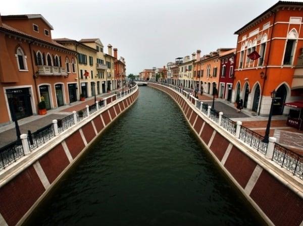 Imitații ale unor construcții celebre - Imitație italiană