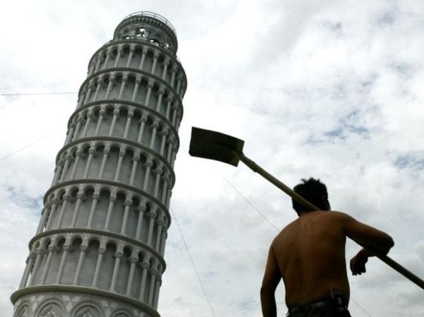 Imitație turnul din Pisa