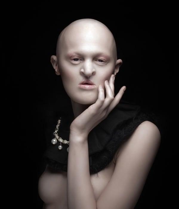 Modele ieșite din comun - Modelul fără păr și dinți