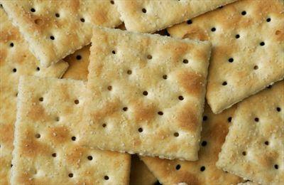 De ce biscuiții au găuri