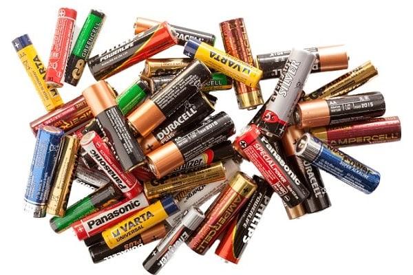 În cât timp se descompun bateriile