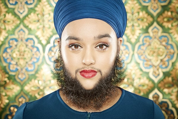 Ultimele recorduri - femeie cu barbă