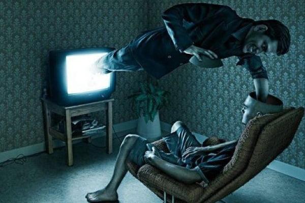 Controlul minții și manipularea